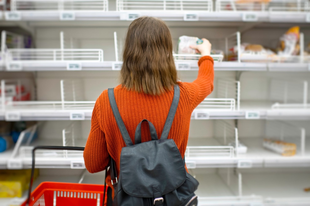 9 Etiquette Rules for Grocery Shopping During the COVID-19Pandemic